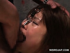 asian-naked-sex-slaved-in-chains-gets-cunt-toyed-hardcore
