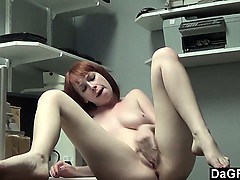 shy-zoey-climaxes-on-cam