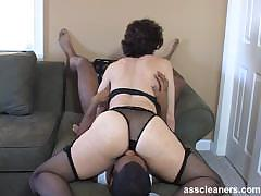 oldie-mistress-is-horny-while-having-her-ass-hole-licked