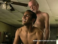 white-daddy-fucks-his-black-boys-ass