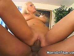 Hot Mom loves a cock in her pussy