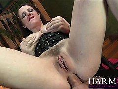 paige-turnah-leads-her-sex-slave-samantha-bentley