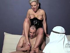 american-mistresses-cuckolding-arab-slaves