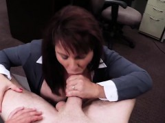 milf-shows-her-tits-for-some-cash