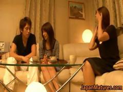 japanese-mature-women-have-a-threesome-part4