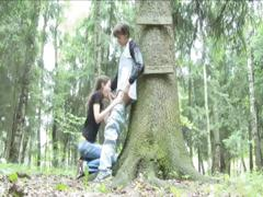 adventure-blowjob-in-the-forest