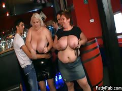 fat-ladies-have-fun-at-the-party