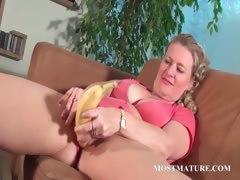 mature-babe-masturbates-with-a-banana