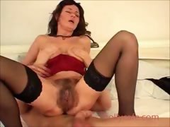 super-hairy-box-on-milf-in-great-lingerie