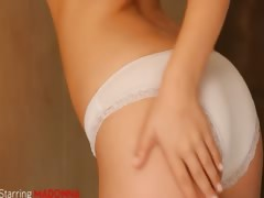 shaving-of-beautiful-18yo-blonde-hole
