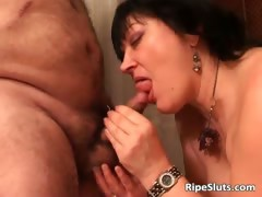 nasty-brunette-milf-blows-dudes-penis-part5