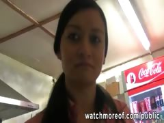 cashier-chick-quickie-sex-during-her-job